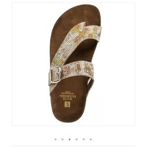 White Mountain Hasty Leather Footbed Sandal